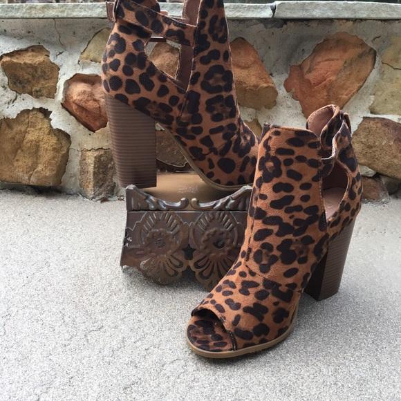Bella Marie Cheetah Peep Toe Booties